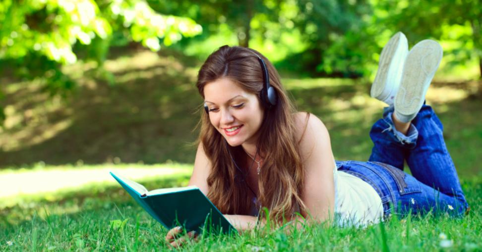 勉強中のラジオや音楽を流しながら